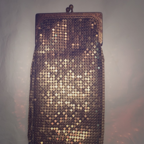 Whiting & Davis Handbags - Whiting and Davis Vintage Gold Mesh Coin Purse